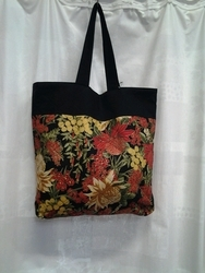 Tote Bag Australian Flowers w black top
